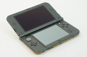 New Nintendo 3DS XL Hyrule Gold Edition 3D Display